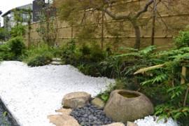 イリしいの木屋上庭園
